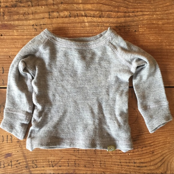 70625ee17 Nui Organics Grey Merino Wool Baby Thermal Shirt. M_5ac0296b8290af1329eaa9ed